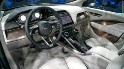 161114214420-jaguar-ipace-interior-780x439