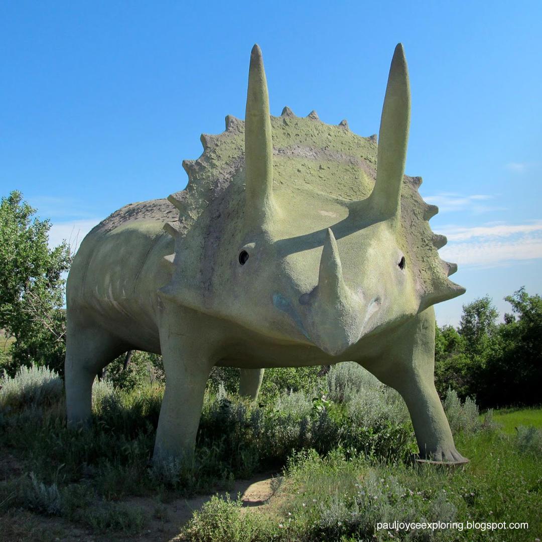 glendisaurus dinosaur statue in