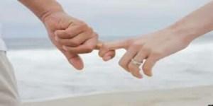 مساج الظهر للزوج والزوجة بالصور