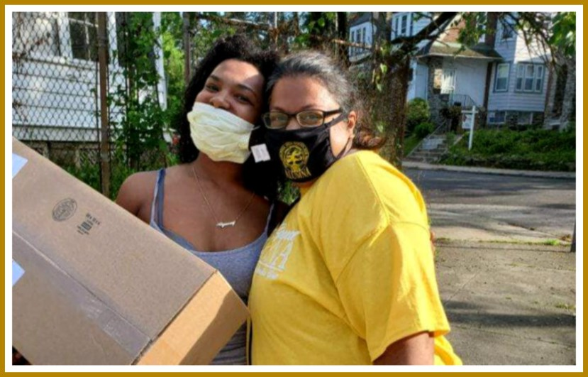 Alumnae Delivering Door kits
