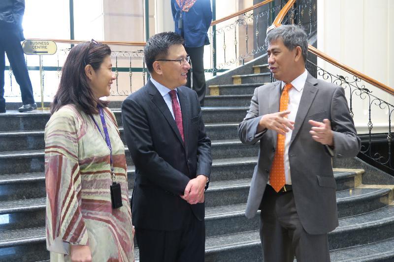 財經事務及庫務局局長訪問馬來西亞加強兩地聯繫(附圖)