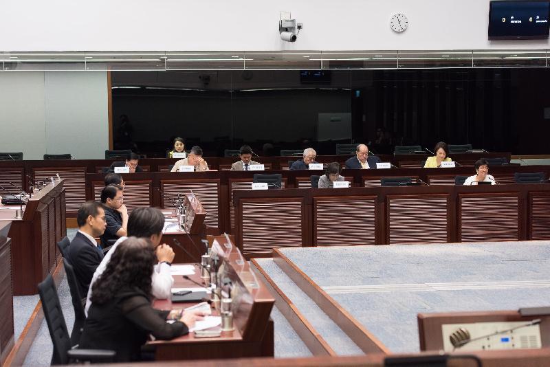立法會議員與油尖旺和葵青區議會議員舉行會議(附圖)