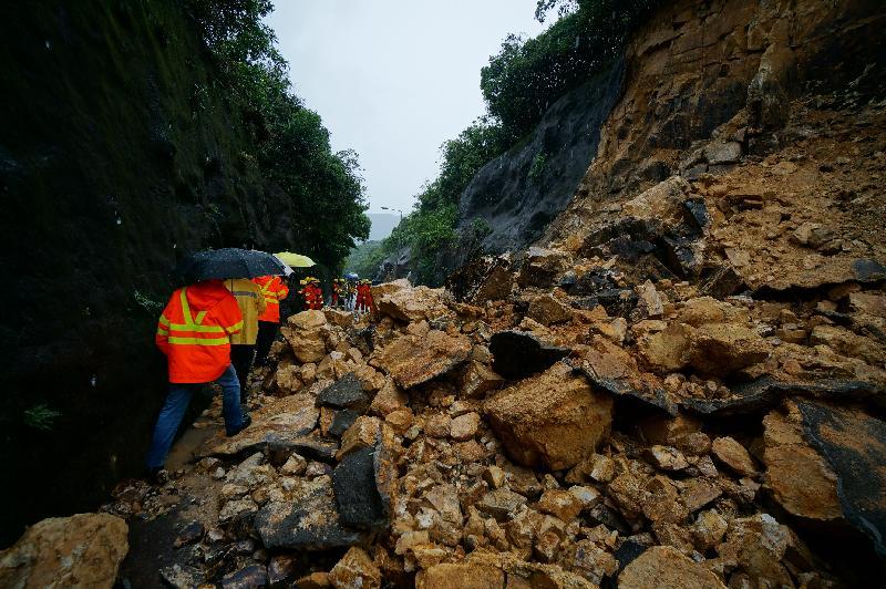 緊急山泥傾瀉視察服務獲頒安全表現大獎(附圖)