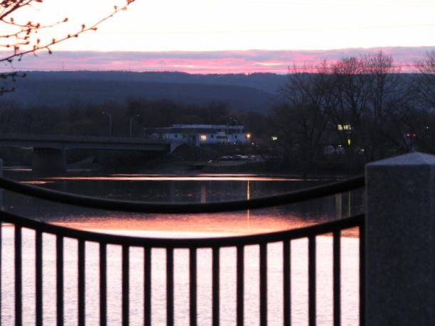 sunsetpumphouse23apr09