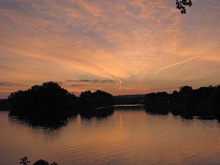 sunset seen from Riverside Park, Schenectady, 02Sep08