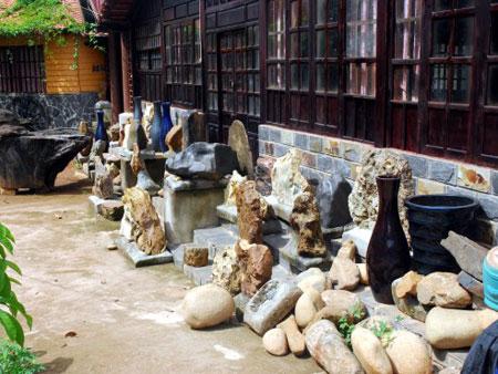 Tham quan bảo tàng đá Lâm Đồng