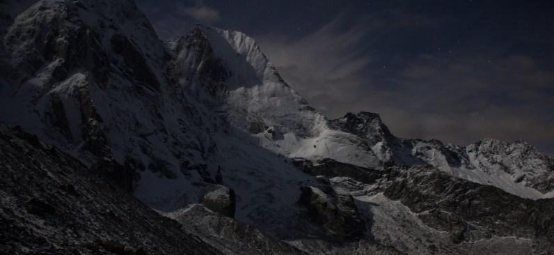 Sciora di dentro - via Burgasser - nuova variante 5.La luna illumina il Badile