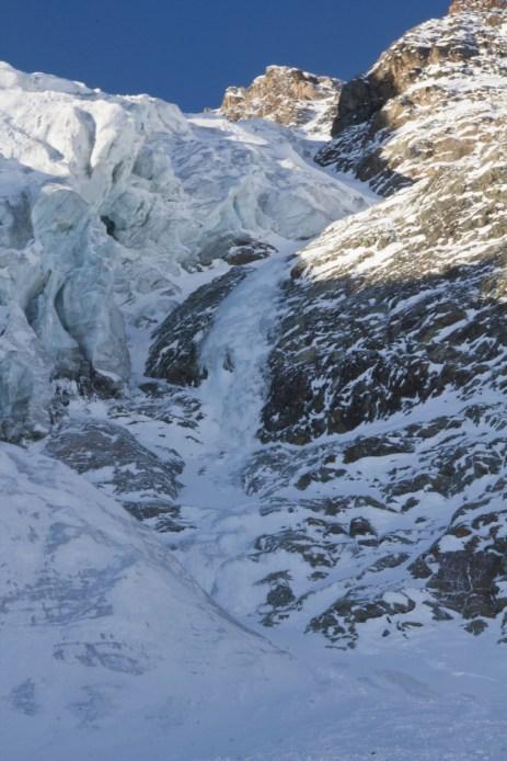 Piz morteratsch via zippert sci boval tschierva mountainspace giacomo longhi marco ballerini scialpinismo engadina bernina valentino cividini spraunza (8)
