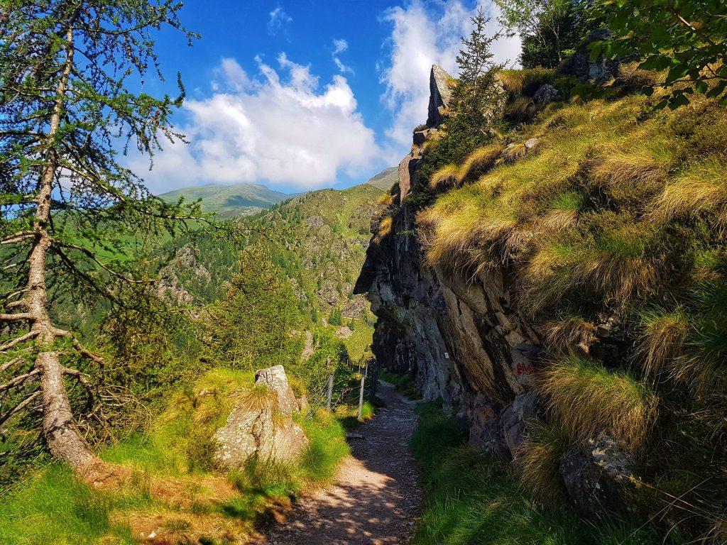 Sentiero Roccia Panoramico Diga del gleno