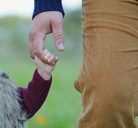 """Mối quan hệ với người bố """"giả"""" này đã kéo dài suốt 10 năm"""