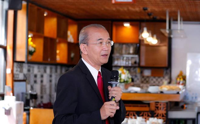 """Cựu CEO Trung Nguyên: """"Tôi được yêu cầu phải làm thủ tục lạy trước bàn thờ đạo"""""""