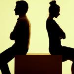 Đàn bà một khi đã im lặng thì cuộc hôn nhân chắc chắn đến hồi khó cứu vãn