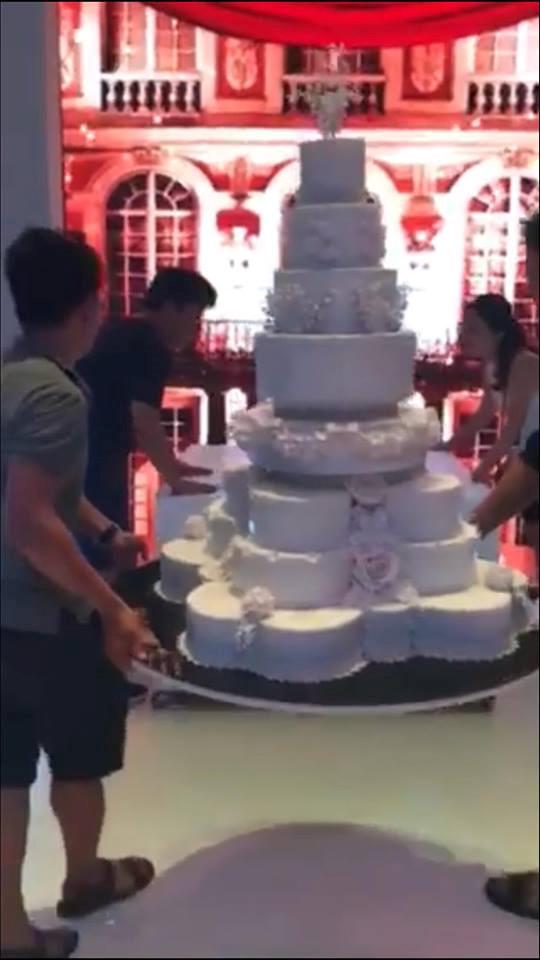 Đám cưới 'siêu khủng' ở Đà Nẵng với 10 tỉ thuê nhà thi đấu, ca sĩ góp vui - ảnh 7