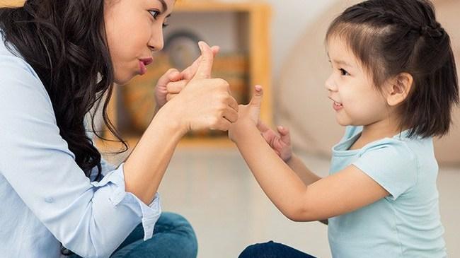 Muốn con mai sau luôn là người tự tin và quyết đoán, cha mẹ nhất định không thể bỏ qua 6 cách này