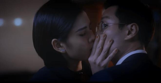 Phim Tình yêu và tham vọng tập 56: Sơn bất ngờ bị gái lạ cưỡng hôn; Minh học cách ghen để khiến Linh hạnh phúc; Phương có thai với Đông…