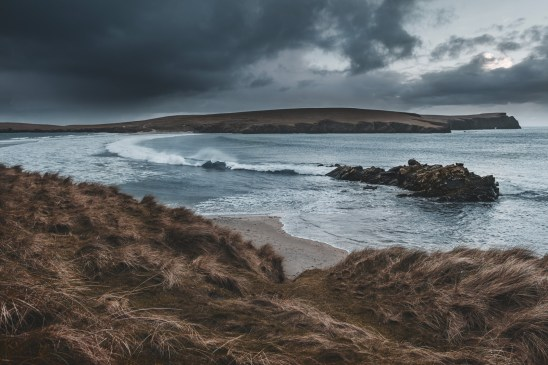spiaggia_st_ninians_shetland_inverno_tempesta