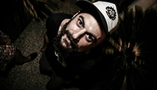 Ο Στέλιος Μασαλάς ασχολείται με το hair design, το hair tattoo και το hair tribal, και είναι συνεργάτης και εκπαιδευτής  στις σχολές κομμωτικής Γιαννέρη στην Θεσσαλονίκη.