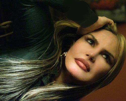 """Entrevista com Rosanah Fienngo, a intérprete  de """"Amor e Poder"""""""