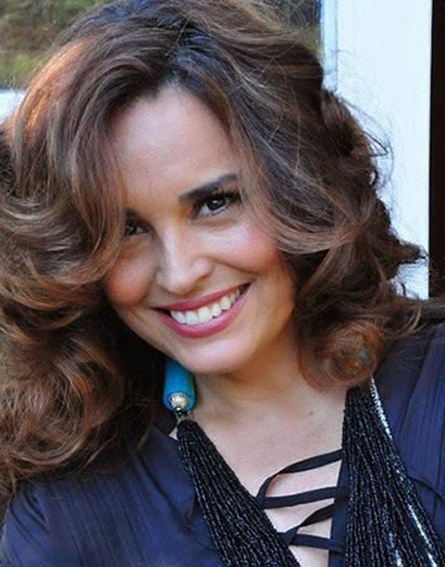 """Suzy Rêgo (""""Beatriz"""") Brinda Seus Fãs Com Entrevista na Última Semana de """"Império"""" 20"""