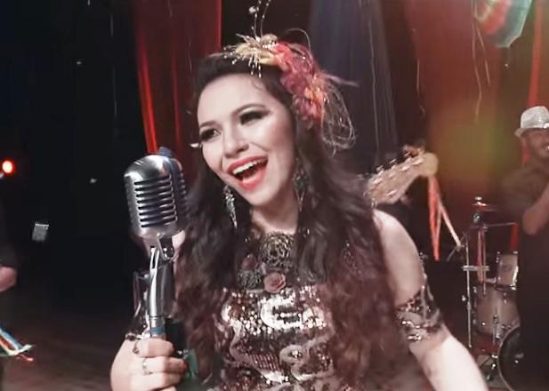 Eloisa Olinto Prepara-se para o Lançamento de novo CD e DVD 9