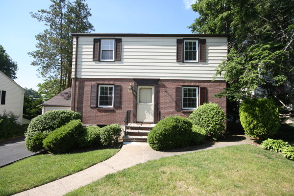 235 Dorchester Road, River Edge, NJ 07661