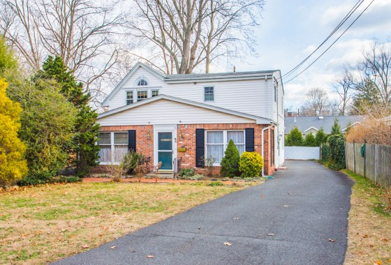 64 Sycamore Ave Ho Ho Kus, NJ | Presented for Sale by the Gibbons Team