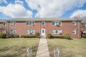 8 Gainesborough Terrace 2A River Edge, NJ 07661 | Presented bu the Gibbons Team www.gibbonsteam.net