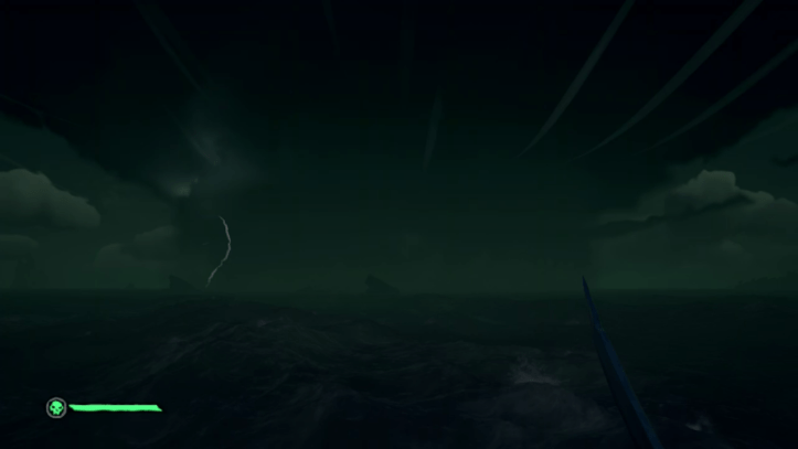 Sea of thieves: The player looks at a storm from the crows nest.