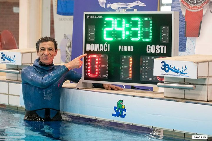 budimir-buda-holds-his-breath-underwater-for-24-minutes-sets-new-world-record