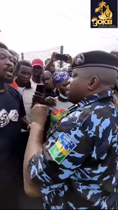lagos-police-warn-protesters-to-stop-advancing-gani-fawehinmi-park-images-video