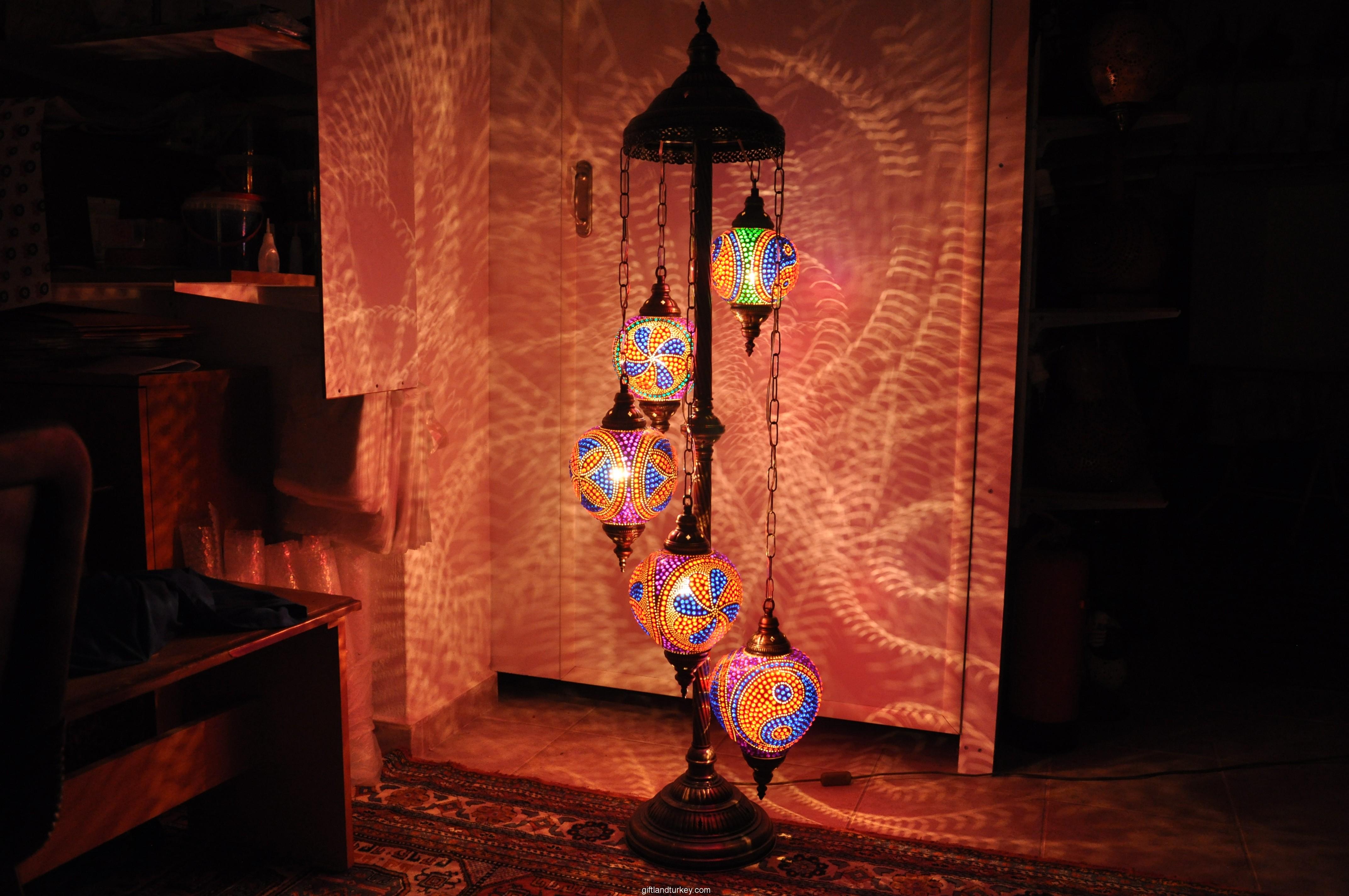 Mosaic lamp manufacturer
