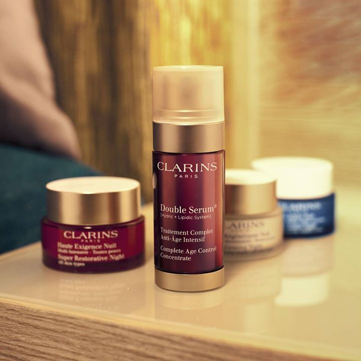 Free Clarins 7-day complete age-defying trial pack consisting of the No.1 Age-Defying Serum and an anti-ageing day and night cream of your choice