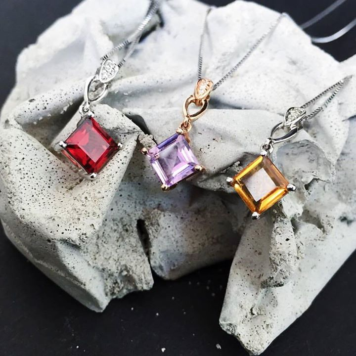 CITIGEMS pendants giveaway at Nylon Singapore