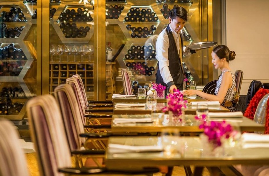 WIN 5-course New Year's Eve dinner at Xperience Restaurant + 1 bottle of Taittinger Champagne for 2 at HI-SO rooftop bar