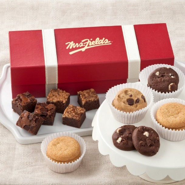 WIN FREE COOKIES at Mrs. Fields USA