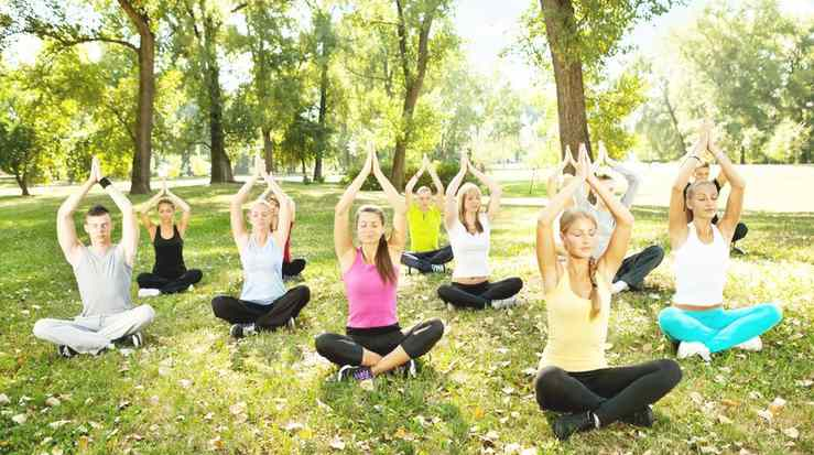 Free Course on Outdoors Yoga