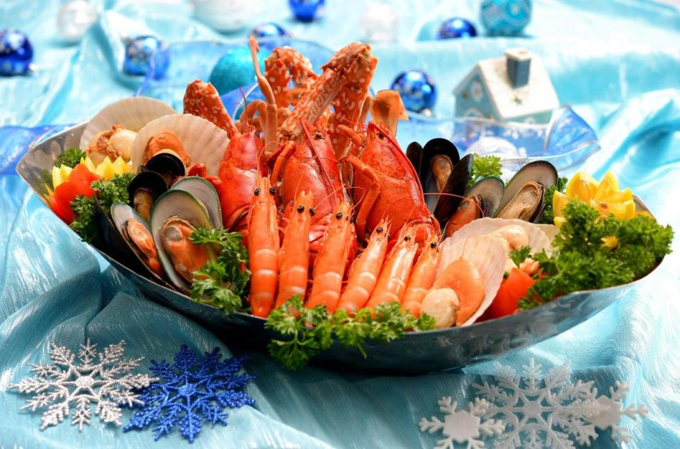 win-a-christmas-seafood-platter-from-royal-plaza-on-scotts-singapore