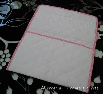 Busta-portaoggetti-rosa-per-Dalila-2