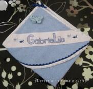 accappatoio-con-farfallina-celeste-per-Gabriele