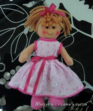 Vestito-per-bambolina-con-iniziale