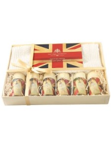 great-british-travel-gift-set-300x40088