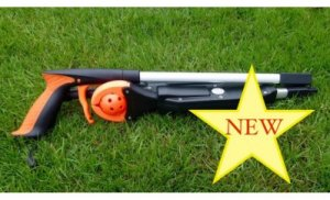 Picture showing Northcroft Golf Tee-up Foldaway lying on grass