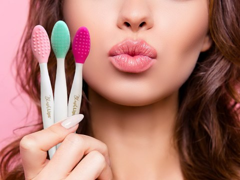 increase lips appearance using this lips massage tool