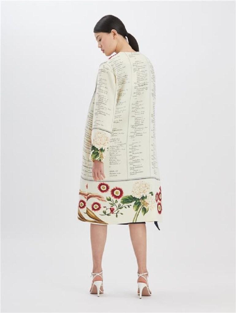Oscar de la Renta Floral calligraphy coat rear