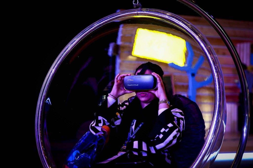 VR HMD