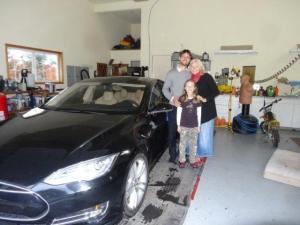 Nicht unser Wagen aber es ist ein geniales Fahrzeug! :-) Claudio durfte Testfahren...