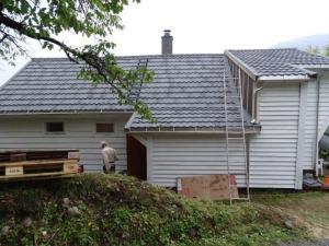 Das Dach ist bald fertig...