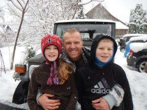 Das waren noch Stunden mit Onkel Björn im Schnee!!!  Er nahm Alexander und Julia mit zum Schlitteln damit wir noch fertig packen konnten.... so toll! :-)