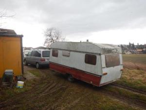 Claudio holte unseren alten Spielwohnwagen in Murten...