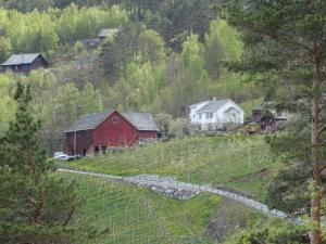 Haus und Scheune